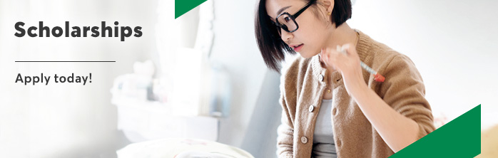 Apply for a Desjardins Foundation scholarship.
